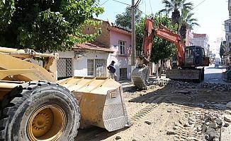 Turgutlu Belediyesi üç mahallede yolları yeniliyor