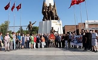 CHP'nin 98'nci yaşı coşkuyla kutlandı