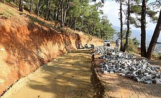 Kırsal mahallelerde yol düzenleme çalışmaları devam ediyor