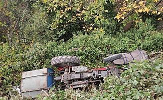Manisa'da traktör takla attı: 1 ölü, 1 yaralı