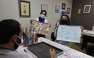 Yatarak tedavi gören hastalara sanat dallarıyla rehabilitasyon