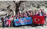 Spilos Dağcıları Gürlek Şelalesi'nde