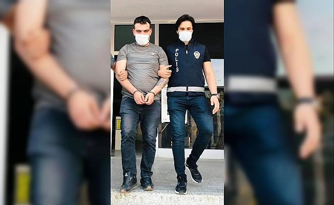Anahtarlık içinde uyuşturucu ticareti polise takıldı