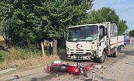 Manisada süt kamyoneti ile motosiklet çarpıştı: 1 ölü